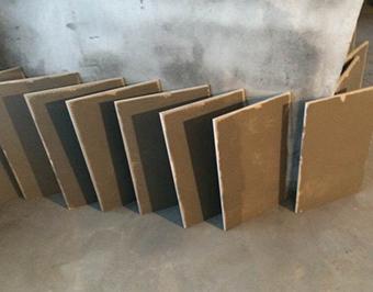 空调岀风口和回风口必须加固,再封上石膏板