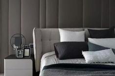 卧室洋溢着黑白时尚气息